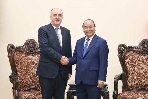 PM Nguyen Xuan Phuc menerima Menlu Republik Azerbaijan - ảnh 1