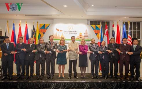 Kedutaan Besar 10 negara Asia Tenggara di AS memperingati ulang tahun ke-50 hari berdirinya ASEAN - ảnh 1