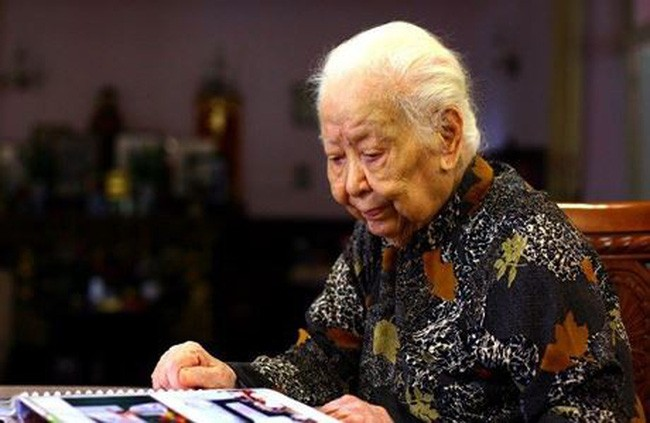 Nenek Hoang Thi Minh Ho, borjuis seorang  patriotik yang berkaitan dengan nasib nasional - ảnh 1
