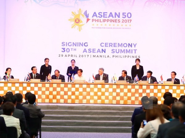 Líderes de la Asean buscan promocionar el rol del bloque en la región - ảnh 1
