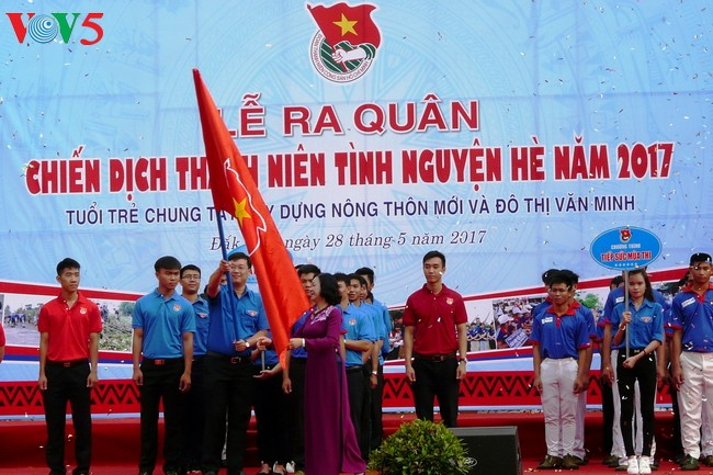 Vietnam incentiva actividades voluntarias en verano de 2017 - ảnh 1