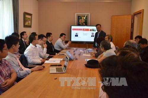 Encomian contribuciones de los intelectuales vietnamitas en Suiza - ảnh 1