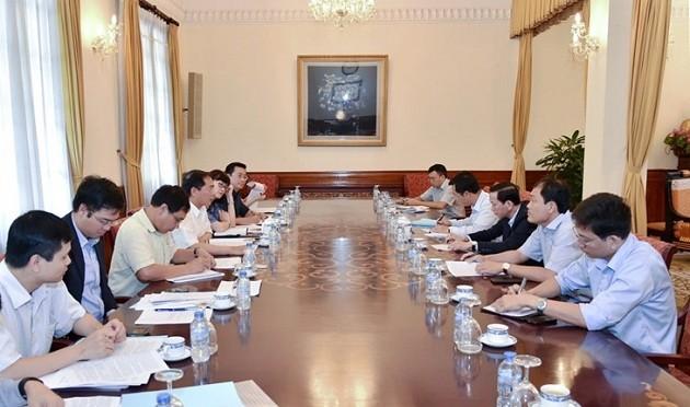 Diputados vietnamitas se enfocan en las reformas de construcción - ảnh 1
