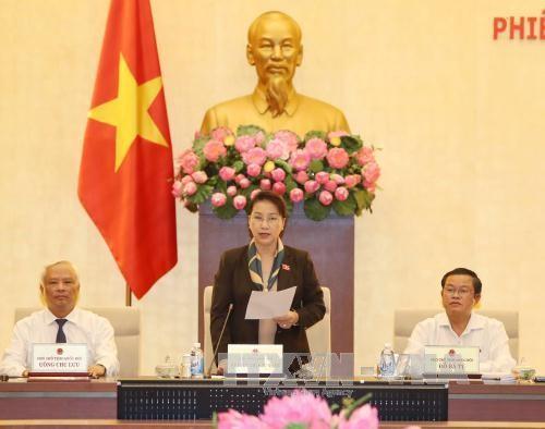 Culmina la XIV reunión del Comité Permanente del Parlamento de Vietnam - ảnh 1