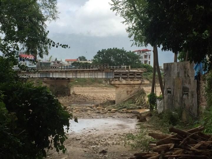 Siguen los trabajos de recuperación tras las inundaciones en el norte de Vietnam - ảnh 1