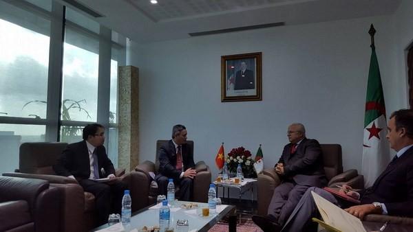 Vietnam y Argelia aprueban fomentar la cooperación comercial  - ảnh 1