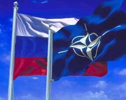 NATO, Russia approve military cooperation plan for 2012 - ảnh 1