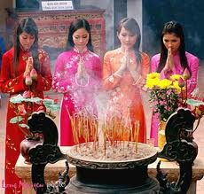 Spring pilgrimage – an inevitable Vietnamese custom  - ảnh 1