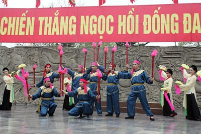 Making a pilgrimage to Ngoc Hoi - Dong Da festival  - ảnh 1