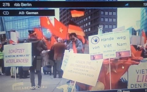 German media cover Vietnamese protest against China's increased militarization of East Sea - ảnh 1