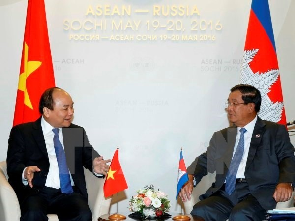 PM holds bilateral meetings with ASEAN leaders  - ảnh 1