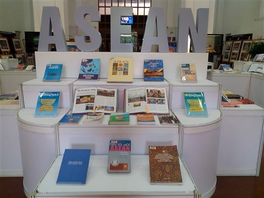 Exhibition on ASEAN Community opens - ảnh 1