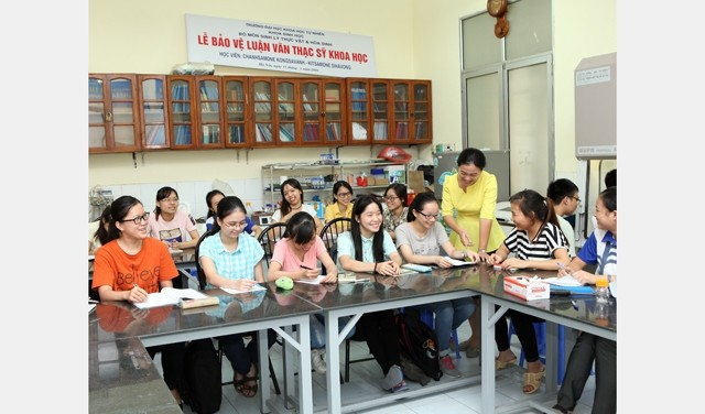 Female lecturers enthusiastic to scientific research - ảnh 2