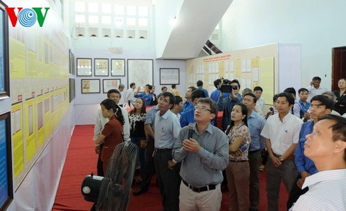 Exhibition on Hoang Sa, Truong Sa archipelagos opened in Ha Nam - ảnh 1