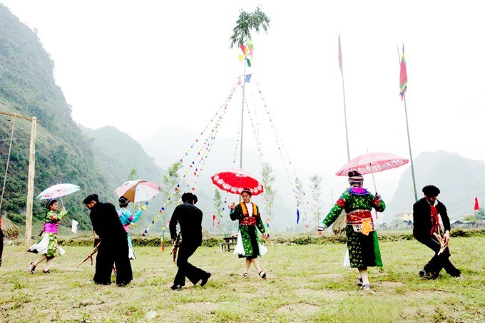 Festival featuring Mong ethnic people of Ha Giang opens in Hanoi - ảnh 1