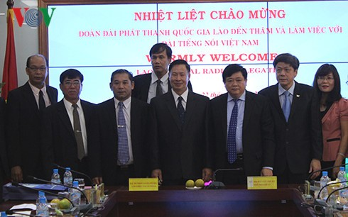 VOV, Lao National Radio strengthen cooperation - ảnh 2