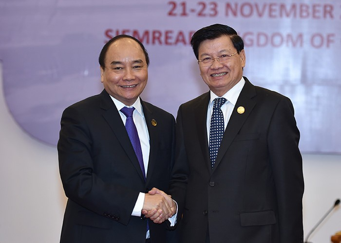 Prime Ministers of Vietnam, Lao meet - ảnh 1