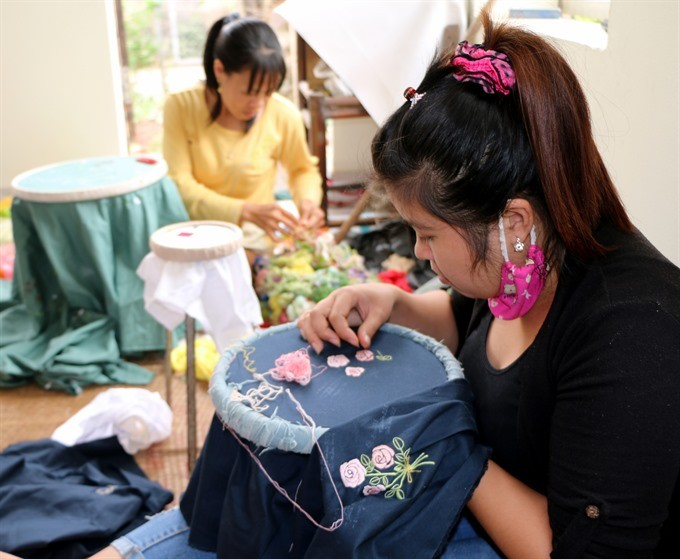 Van Lam embroidery and lace village  - ảnh 3