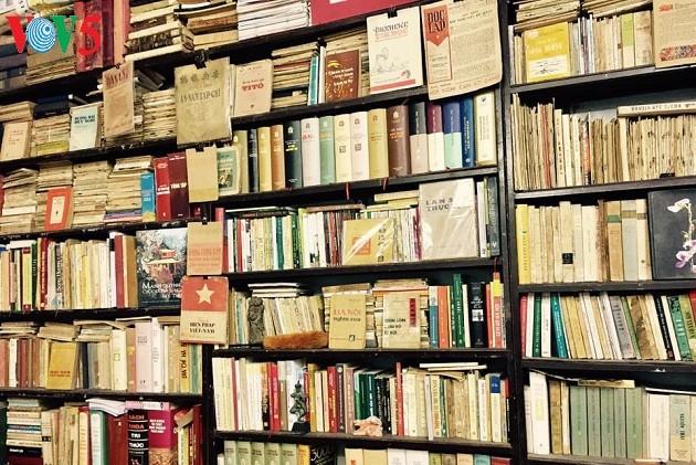 Old book collectors preserve and promote books  - ảnh 3