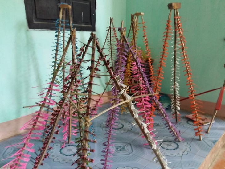 Thach Xa village makes bamboo dragonflies  - ảnh 4