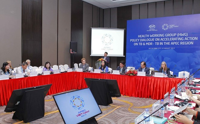 Policy dialogue aims to speed up action on tuberculosis in APEC - ảnh 1