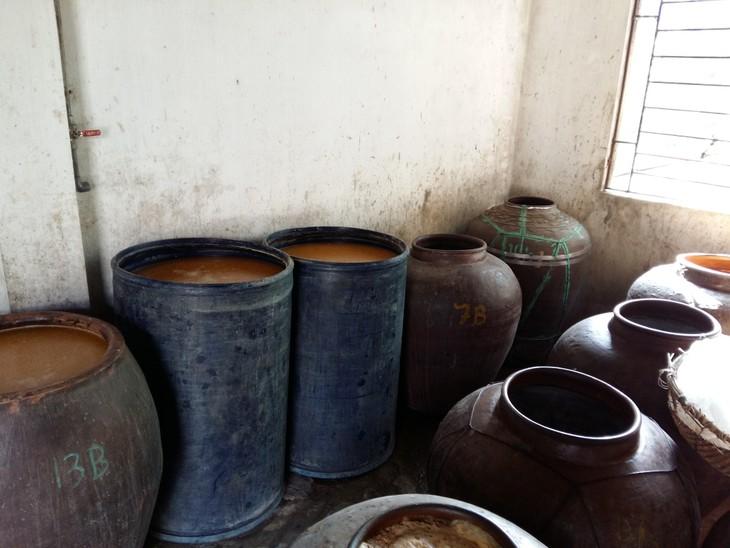 Soy sauce making in Cu Da village  - ảnh 3