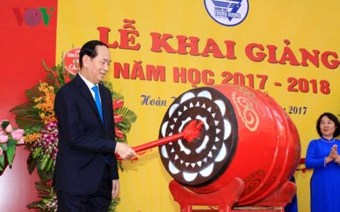 Vietnam welcomes new academic year  - ảnh 1