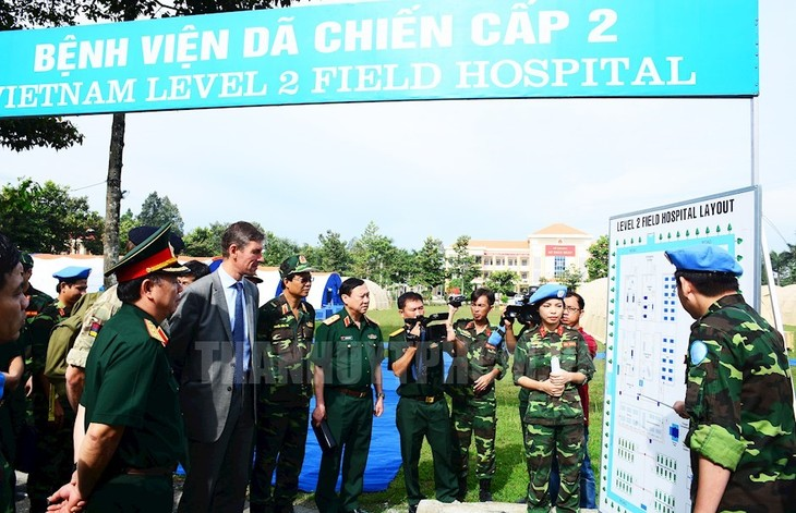 Practical training on level-2 field hospital equipment concludes - ảnh 1