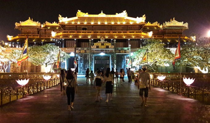 Thua Thien-Hue welcomes more than 1 million foreign tourists   - ảnh 1