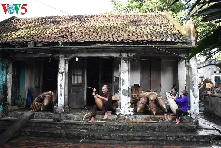 Thu Sy village boasts 200 years of fish-pot making tradition - ảnh 4
