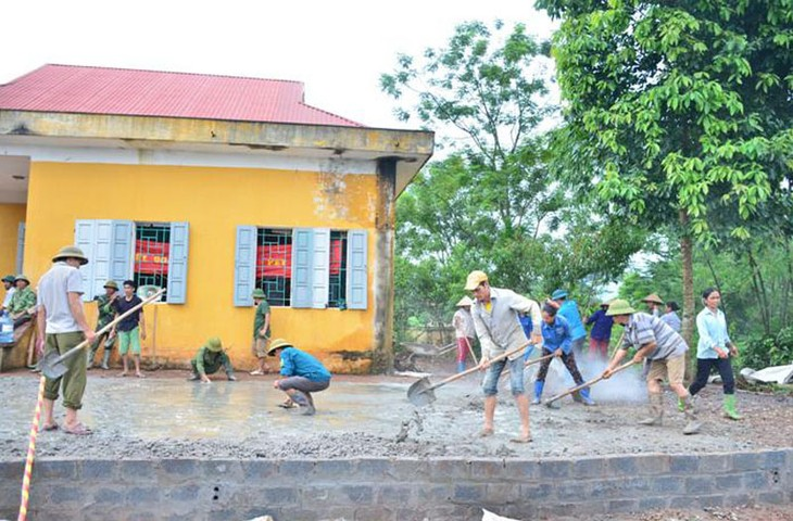 Cao Phong people participate in new-style rural development program - ảnh 1
