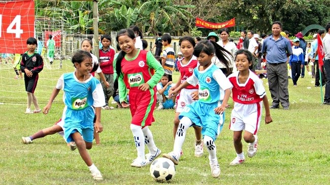 15 years of community football program in Thua Thien-Hue - ảnh 1