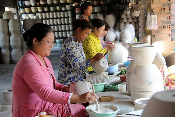 Tan Van pottery village in Dong Nai - ảnh 2