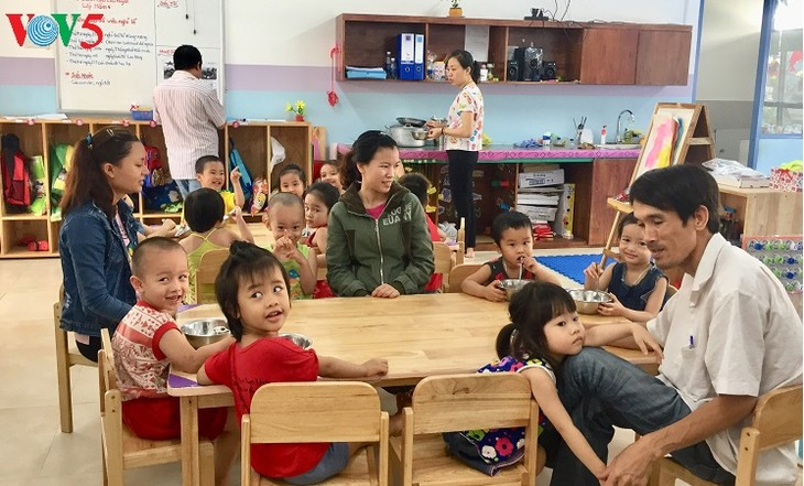 International standard preschool center eases burden for Da Nang's poor workers  - ảnh 3