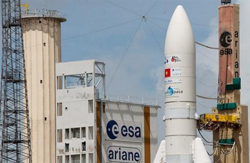 通信衛星「ビナサット2」の打ち上げをめぐって - ảnh 1