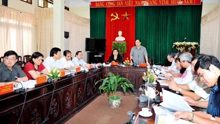 フオン国会副議長、トェンクアン省を視察 - ảnh 1