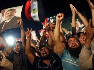 モルシ派強制排除指示 エジプト暫定政府「あらゆる措置」 - ảnh 1
