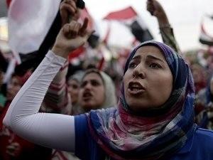 エジプト前大統領派が座り込み、大規模衝突懸念 - ảnh 1
