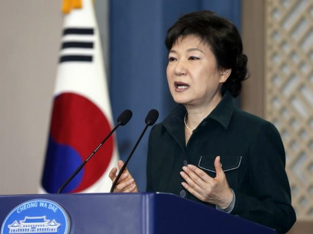 韓国大統領 「過去癒やす勇気を」 - ảnh 1