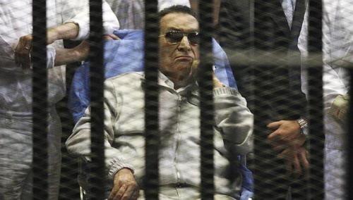 エジプト裁判所、ムバラク元大統領の保釈を命令  - ảnh 1
