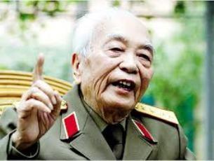 チョン書記長ザップ将軍の長寿を祝う - ảnh 1