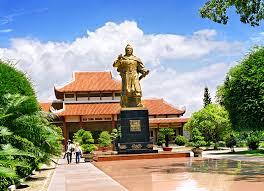 ビン・ディン省・クアン・チュン博物館の魅力 - ảnh 1