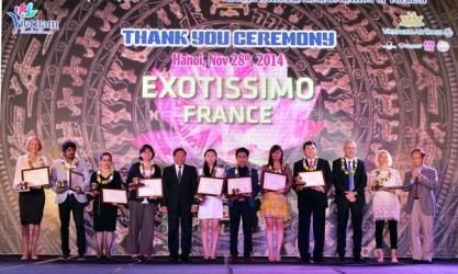 ベトナムに観光客を送る世界各国の旅行会社を顕彰する式典 - ảnh 1