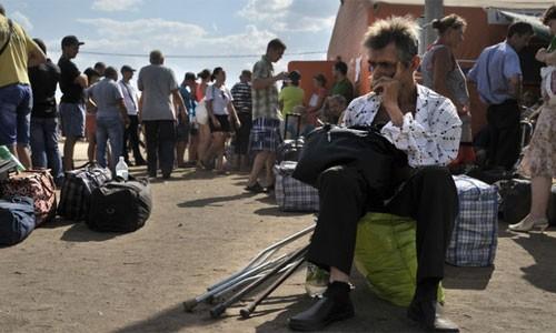親ロシア派拠点ドネツク、市民は困窮 砲撃で犠牲相次ぐ - ảnh 1