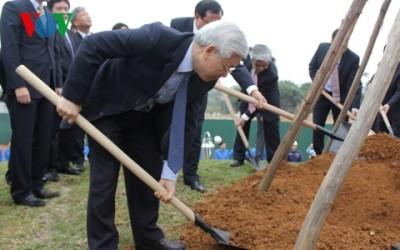 チョン共産党書記長、植樹運動を開始 - ảnh 1