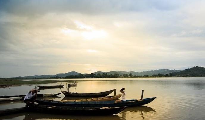 中部ダクラク省のラク湖の訪れ - ảnh 2