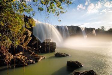 「奥さんの滝」ダクラク省 - ảnh 1