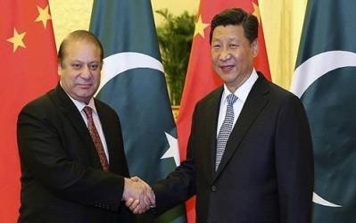 中国:習国家主席パキスタンでインフラ支援や軍艦輸出交渉 - ảnh 1