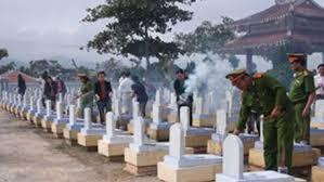 南部完全解放にあたり、犠牲者を追悼 - ảnh 1