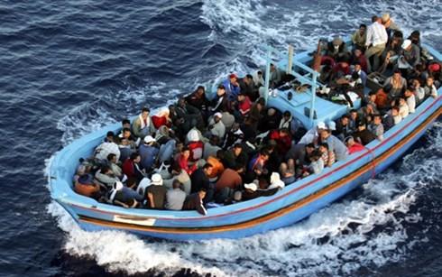 独首相 「南欧に難民登録センターを」 - ảnh 1